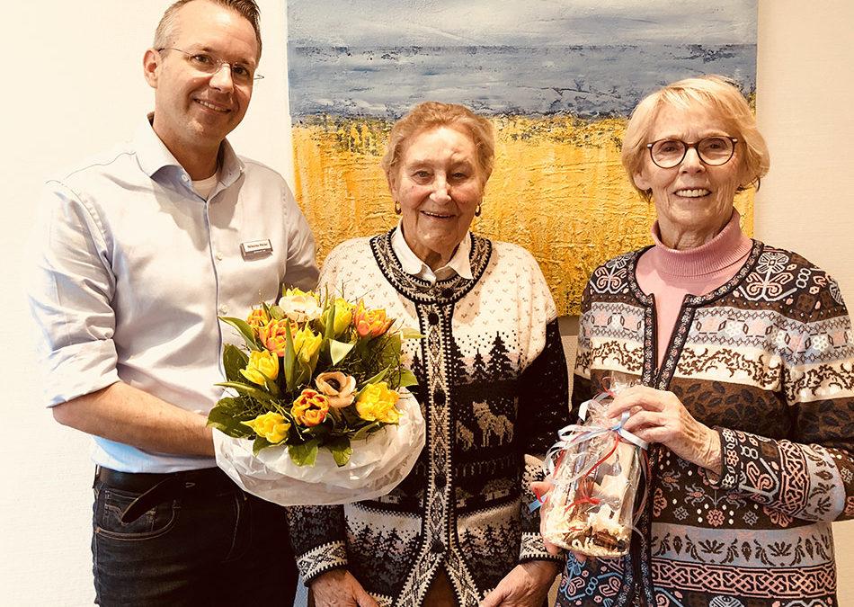 16 Jahre Hausfrauenflohmarkt  Dank an Elfriede Jungfleisch