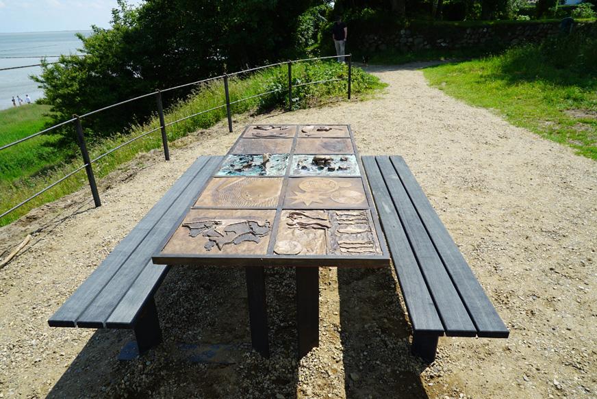 Tisch am Kliff